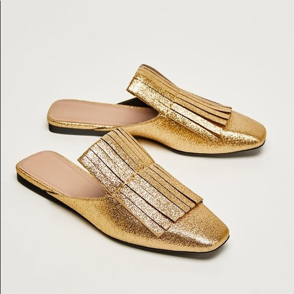 73ca1e93aeb Amazing Zara Gold Slides Mules with Fringe